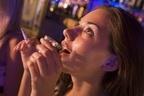 男性に聞きました!お酒大好き、タバコ吸います女子はアリ?