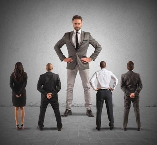 世間を象徴する問題! 生理的に受け付けない上司への対処法