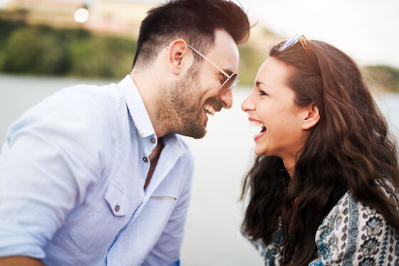 """男性が意識するポイントは?気になる男友達に""""女性""""を意識させるための第一歩"""