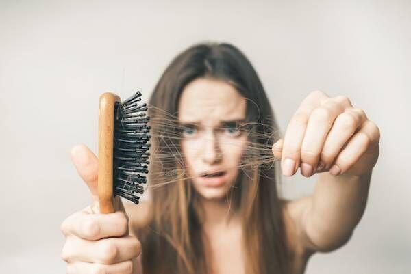 秋は抜け毛、髪のパサつに!体の内から髪トラブルを解消