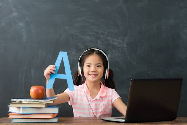 先生を独り占め!子ども向けオンライン英会話で自宅レッスン