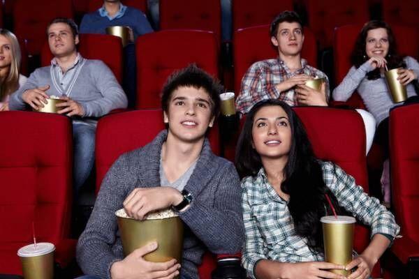 付き合う前の映画デートで男性がキュンとする女性の行動とは?g画像