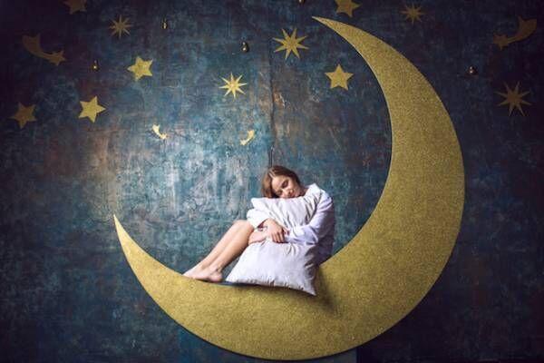 月の満ち欠けと恋愛の関係って?
