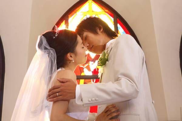 結婚式での誓いのキスは、唇が良い?おでこが良い?どこがいい?1画像