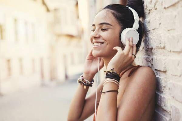 ときめきを充電!恋愛気分を上げてくれる洋楽・邦楽ソング8選