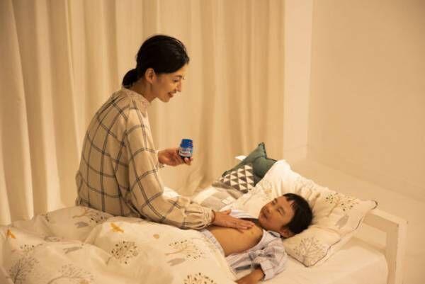 ママの愛情を手から伝える、ぬる風邪薬「ヴイックス ヴェポラッブ」の出番!