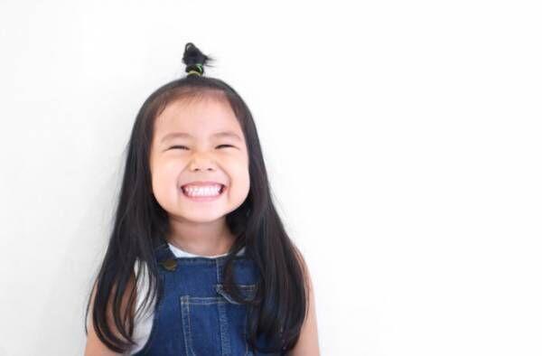 《1分で完成!子供のアップヘアはこう作る》簡単なのに、1日中崩れない髪型の3つのコツ