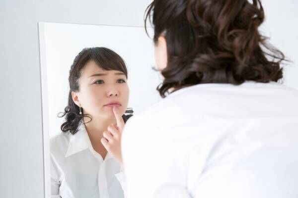 市販薬は使えるの?妊娠中の口内炎が治らない理由とその治し方