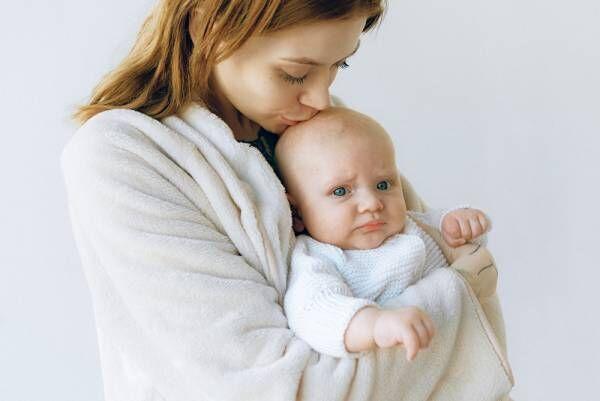 夜泣きとは?夜泣きの対処法やパパママが乗り切る方法を紹介します