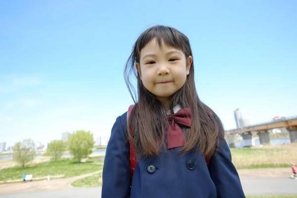 入学式で女の子に着せたい洋服は?人気コーデ例も公開