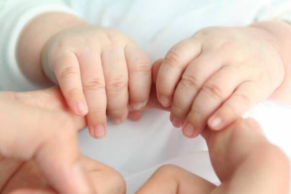 新生児がミルクを吐き戻した!理由や正しい対処法を教えて