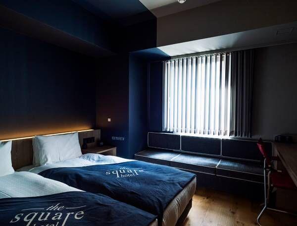 銀座一丁目のホテル〈the square hotel GINZA〉の魅力とは?部屋には〈snow peak〉のアウトドアチェアも。