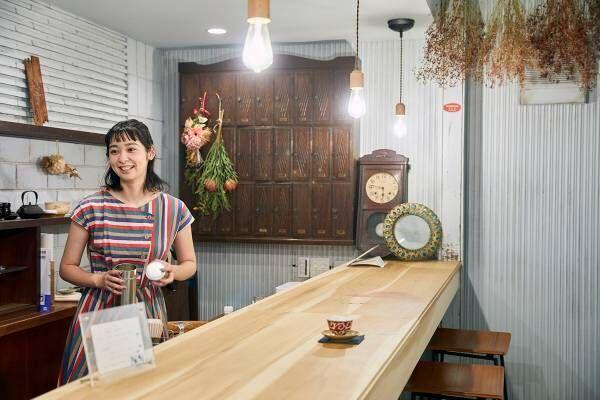 広島・尾道の文房具ショップ兼カフェ〈綴る。〉で、旅の思い出を手紙に込める。