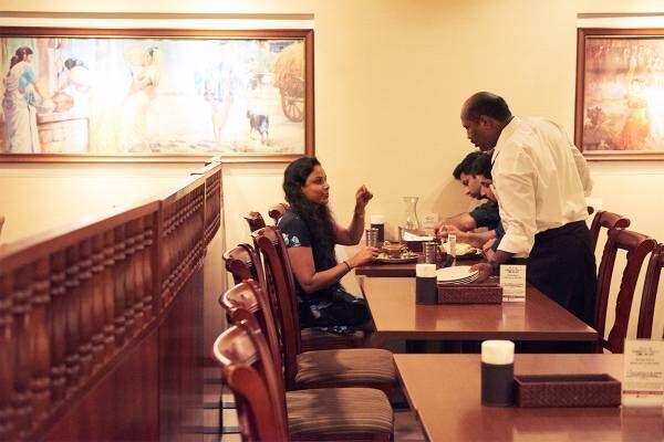美食の街【京橋】を牽引する名店。フレンチ〈Chez Inno〉と南インド料理店〈DAKSHIN〉。