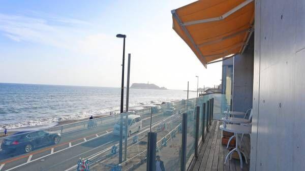 『スラムダンク』ファン必見!七里ヶ浜の景色と楽しむ〈bills 七里ヶ浜〉限定カクテル。隠れエピソードも。