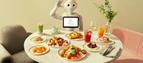 ペッパーがスタッフに?未来型カフェ〈Pepper PARLOR〉が〈東急プラザ渋谷〉にオープン!