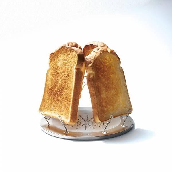 ワンランク上のおしゃれアウトドアグッズ6選!一度に4枚焼けるトースターも。