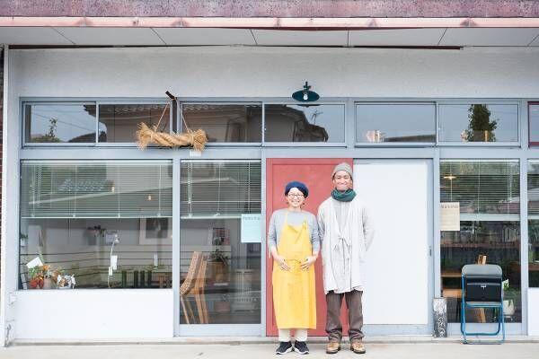 山形・鶴岡に移住した夫婦が開いたカフェ&セレクトショップ〈manoma〉。ヒト・モノ・コトが行き交う場に。