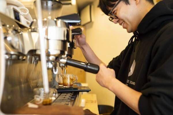 365日地域の暮らしに寄り添う、野方の〈DAILY COFFEE STAND〉へ。