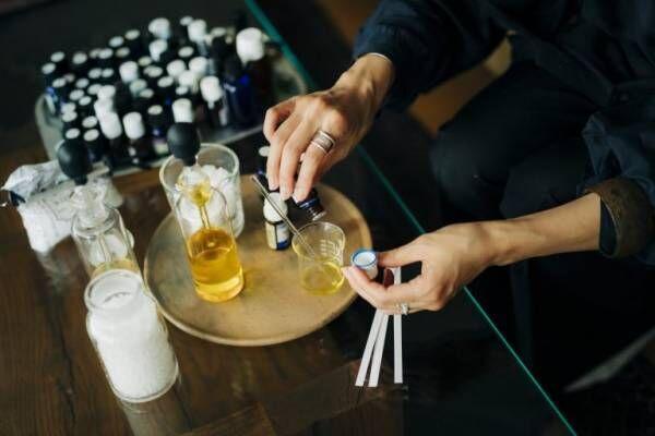"""「おこもり時間にメリハリをつけてくれる」。セラピスト・加藤広美さんの""""香り""""のある暮らしとは?"""