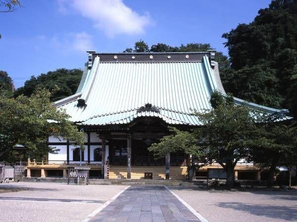 【鎌倉】心をリフレッシュできる神社&お寺5選。四季折々の花や鎌倉の海に癒されて。