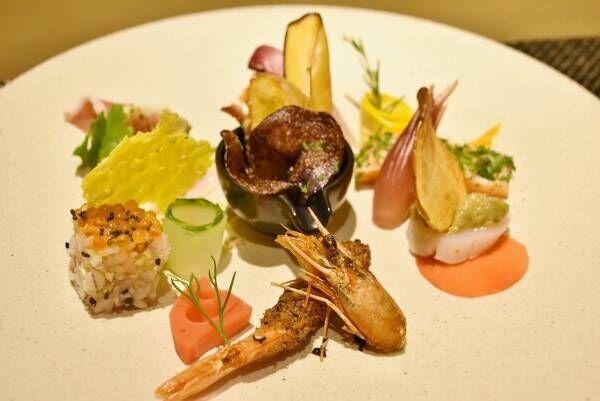 〈東京マリオットホテル〉のフリーフロー付きウェルネスディナーで乾杯。
