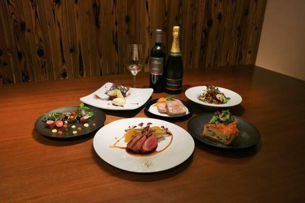 都内の有名店出身シェフが、青山のシェアキッチン型レストラン〈@ Kitchen AOYAMA〉に集結。