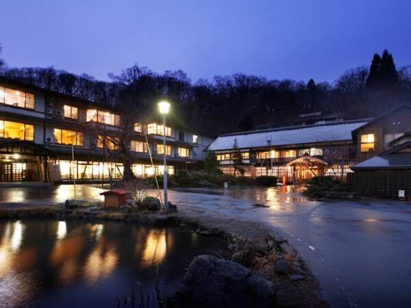 """青森県十和田市で、ふりそそぐ星を堪能する""""星浴""""とアート体験。"""