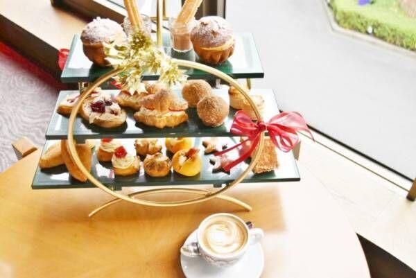 〈ヒルトン東京〉でクリスマス風のパンのランチ&アフタヌーンティー!『プティ・ブーランジェリーdeノエル』を11月13日(金)~12月25(金)開催。