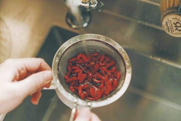 台湾の家庭でポピュラーなスープ「養生紅棗地瓜湯」のレシピ。カラダを気遣う薬膳のある暮らし。