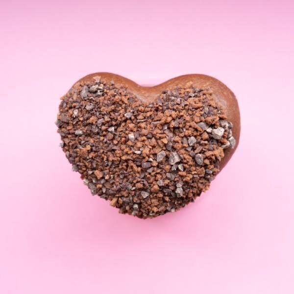 〈クリスピー・クリーム・ドーナツ〉のバレンタインはチョコ尽くし!限定ドーナツをチェック。
