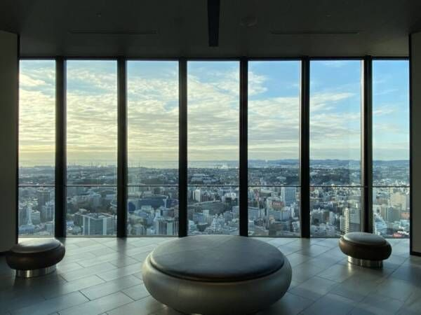 """""""暮らすように過ごす""""、天空の滞在型ホテル 〈オークウッドスイーツ横浜〉を体験!"""