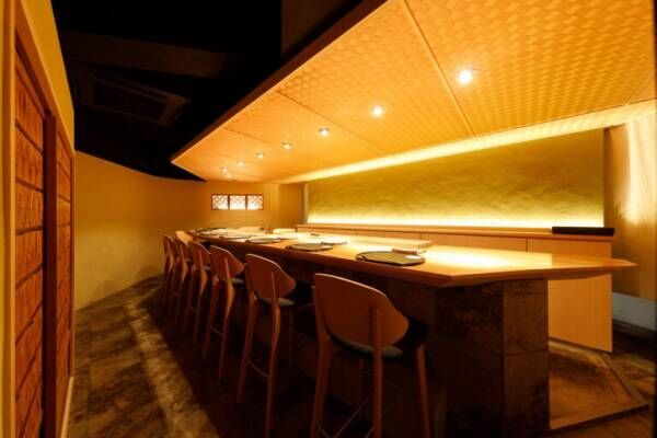 関西風赤酢鮨を大人な空間でいただける西麻布〈鮨やま田〉。