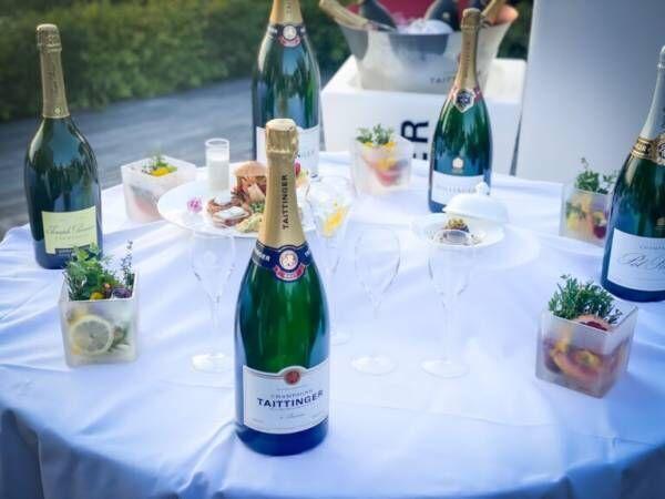 """涼しげな""""夏""""を堪能!〈ホテル椿山荘東京〉で楽しむ、シャンパンのフリーフロー「シャンパンガーデン 2021」。"""