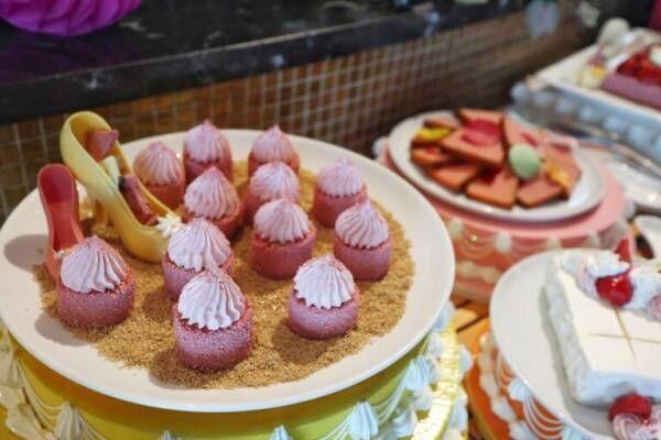 パステルカラーがかわいい!〈スイスホテル南海大阪〉で楽しむ「パステルスイーツブッフェ」へ。