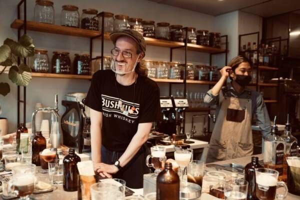 カフェでコーヒーカクテルを! アイリッシュウイスキー〈ブッシュミルズ〉が提案する新しいコーヒーカルチャー。