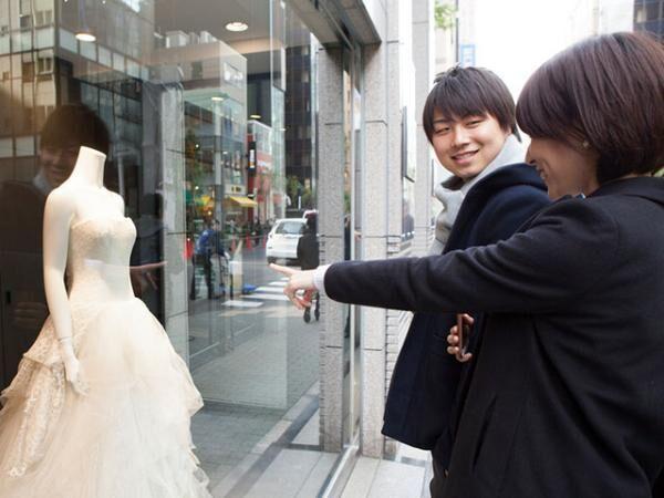 女性の8割「夫と出会った年齢は25.1歳」結婚前提に交際する秘策とは?