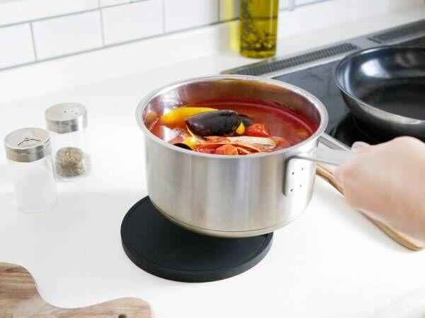 嬉しい機能を備えたシリコン鍋敷き[PR]