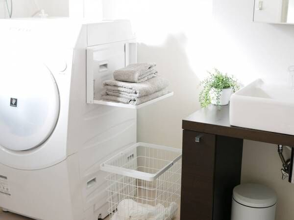 「コンパクト収納」を叶えてくれる洗濯機横折り畳み収納棚[PR]