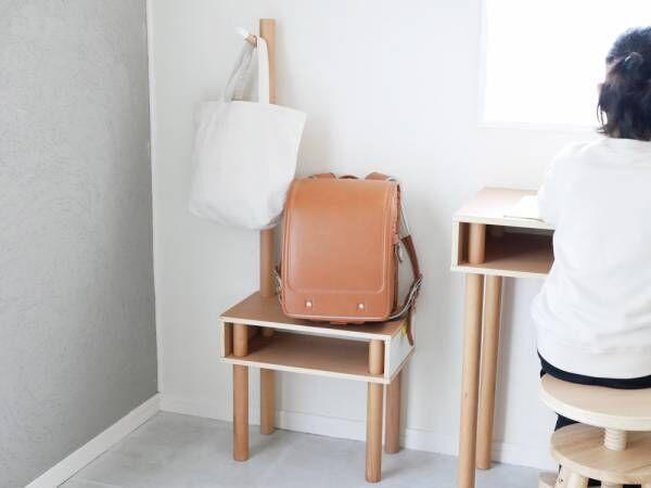 「椅子に、棚に、ハンガーに」マルチに使えるキリンさんのカタチをした子ども家具[PR]