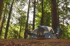 ステンレスの流し台、炭捨て場… 屋外キャンプ場でアガるポイント