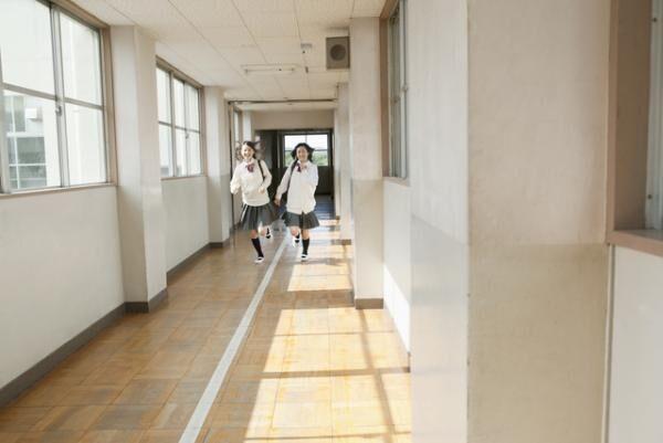 「学校と闘う親たち」へ。スクールカウンセラーが伝える問題解決のヒケツの画像