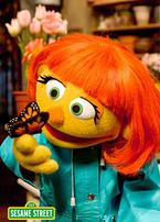 セサミストリートに自閉症の新マペット登場!番組制作の背景は?日本では視聴できるの?