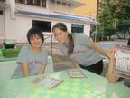ある日、夫が海外転勤に。妻と障害のある子は一緒に行ける?ダウン症のわが子を連れての駐在経験