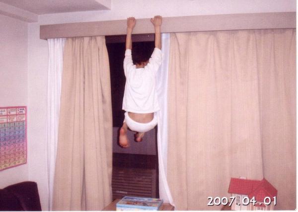 ご近所からクレーム!飛び跳ねる自閉症息子の騒音問題、どんな対策すればいい!?の画像