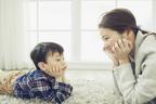 【自閉症とは】年齢別の症状の現れ方とは?0歳から成人期までの特徴を解説します