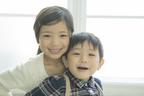 【アスペルガー症候群】0歳から成人期まで、年齢別の特徴や症状の現れ方を解説します