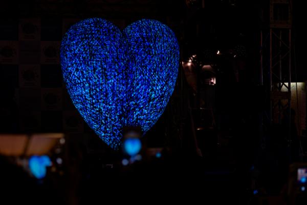 4月2日は世界自閉症啓発デー!青いものを身につけて「Warm Blueキャンペーン」に参加しようの画像
