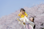 1歳半健診でことばの遅れが気になったら?赤ちゃんのコミュニケーション力を家庭で育む3つのポイントとは?家庭で活用できるチェックリストも紹介
