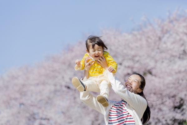 1歳半健診でことばの遅れが気になったら?赤ちゃんのコミュニケーション力を家庭で育む3つのポイントとは?家庭で活用できるチェックリストも紹介の画像